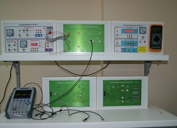 Учебная установка «Устройства генерирования и формирования сигналов»