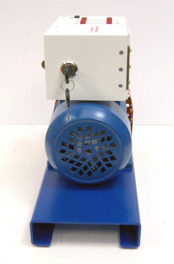 Трехфазный асинхронный двигатель с имитатором неисправностей